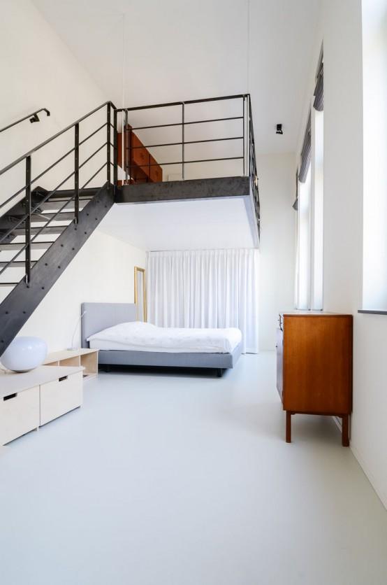 100-Year-Old Amsterdam Schoolhouse Becomes A Modern Loft - DigsDi