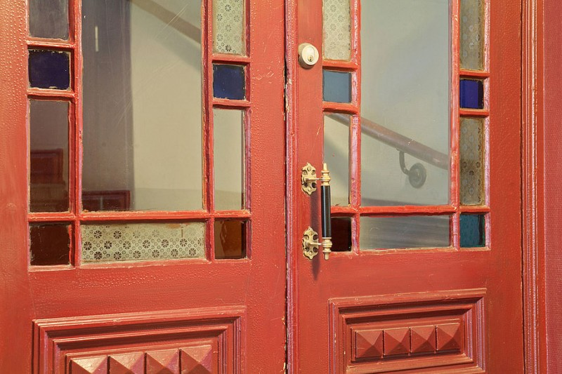 Scandinavian Design: Three Century Old Airy Apartment in Gothenbu