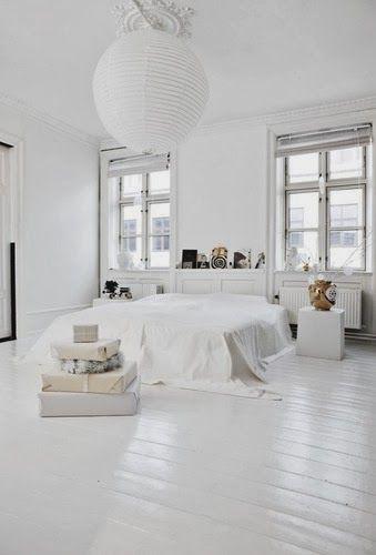 De Interista: Love me some: White floors   Slaapkamer witte vloer .