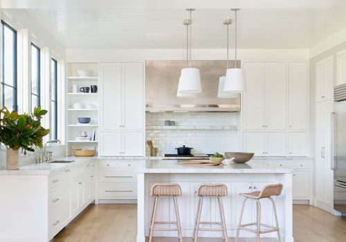 10 All-White Kitchens That Will Stop You in Your Trac