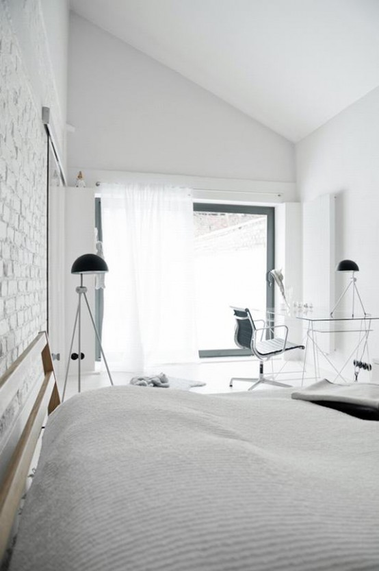 All-White Mid-Century Modern Home With A Scandi Feel - DigsDi