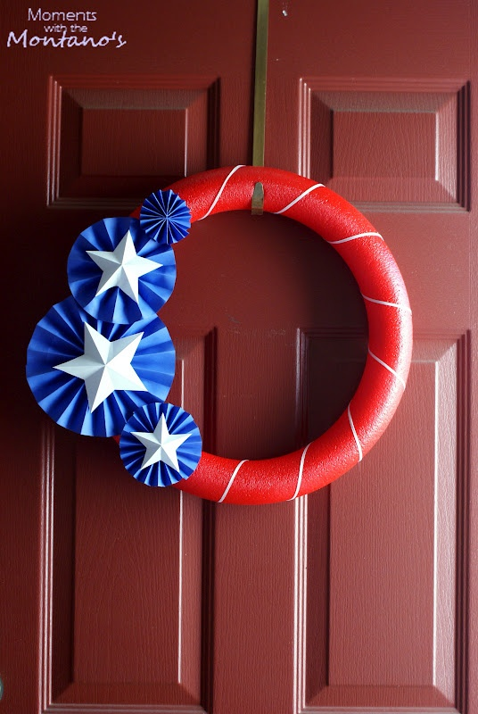 60 Amazing 4th July Wreaths For Your Front Door - DigsDi