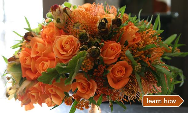 A Classic Thanksgiving Flower Arrangement - Thanksgiving .