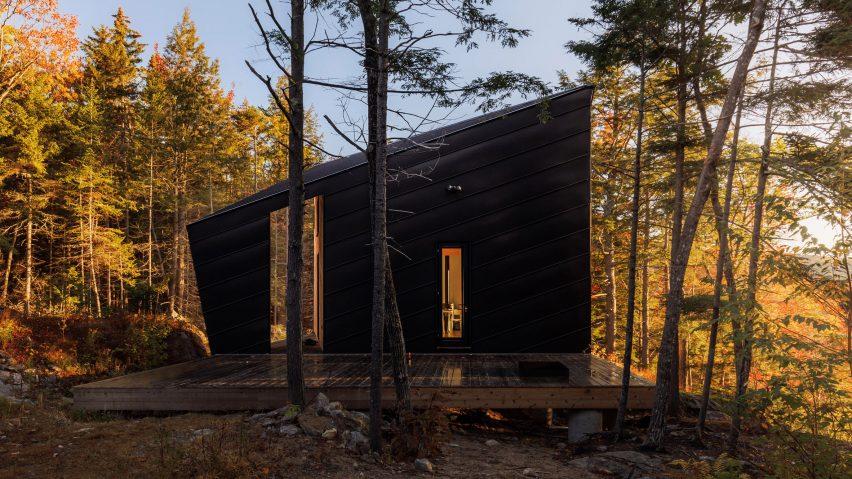 I-Kanda places angular cabin atop granite rock in New Engla