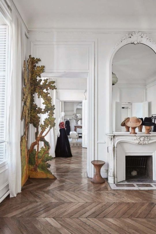 Vintage Paris Apartment With Eclectic Features - DigsDi