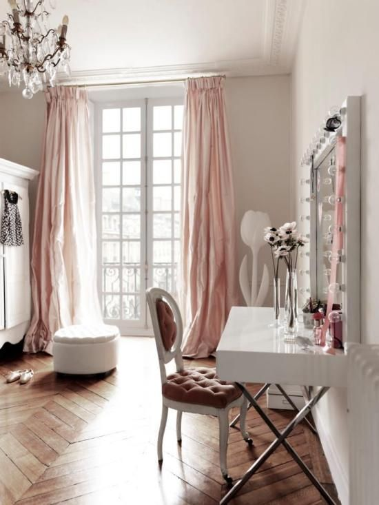 pink and white office #home #style | Chic apartment decor, Shabby .