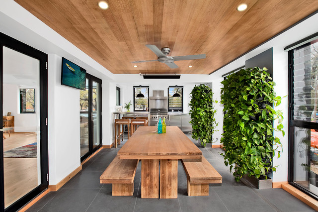 5 Reasons to Add a Living Wall to Your Ho