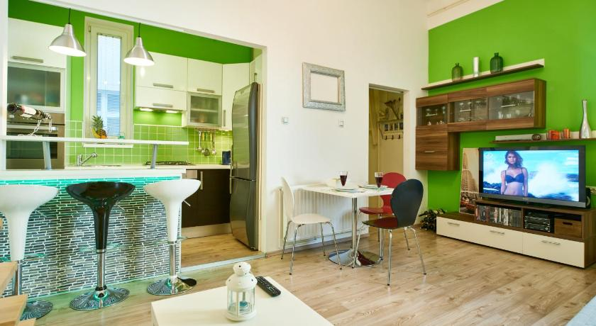 Best Price on Studio Apartment Green Wall in Zagreb + Review