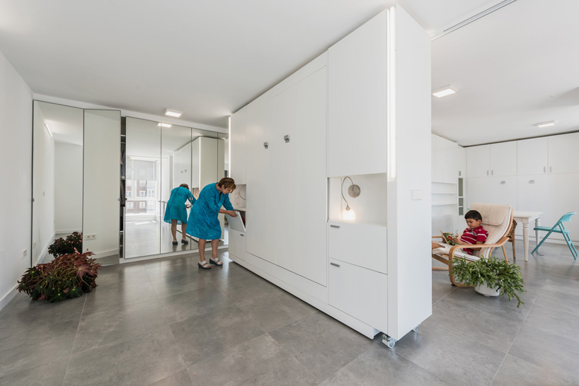 A Rotating Wall Allows This Apartment To Change Its Layout In Minut