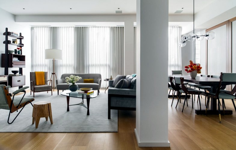 An apartment in neutral decor with splashes of color | Interior .