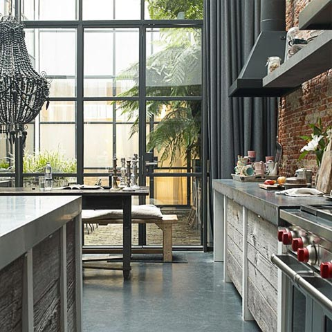 Industrial feel apartment – life in a bubb