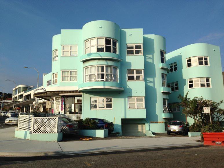 Art Deco apartment building, Bondi, Sydney | Art deco buildings .