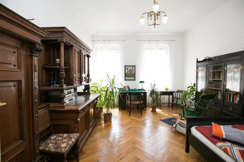 Art Nouveau Apartment near city center Has Central Heating and .