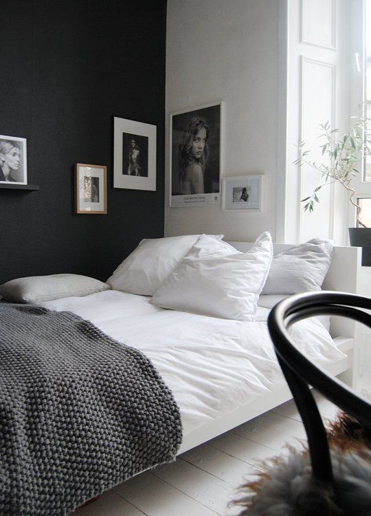 20 Beautiful Black & White Bedrooms | Black white bedrooms, Home .