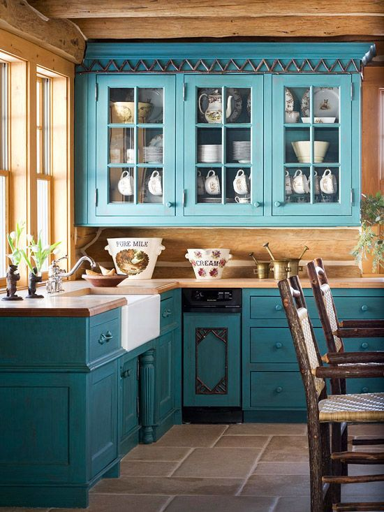 17 Awesome Bold Décor Ideas For Small Kitchens | Blue kitchen .