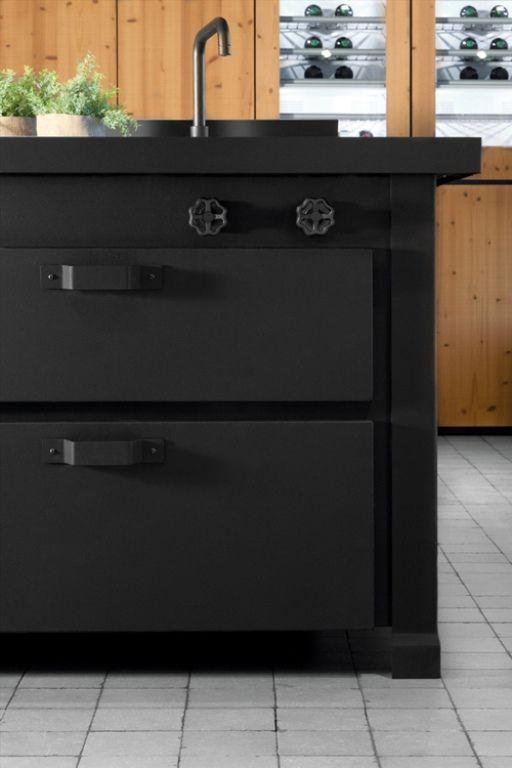 Awesome Dark Metal Kitchen By Minacciolo | Classic kitchen design .