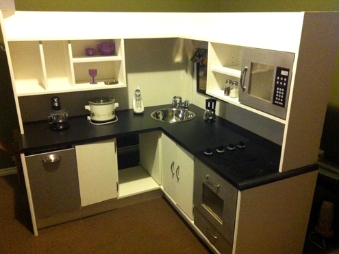 Roundup of Awesome DIY Play Kitchens & More   Kids play kitchen .