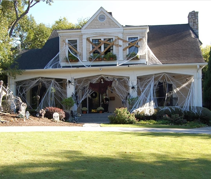 Easy, Last Minute Outdoor Halloween Decorating Idea, Great for a .