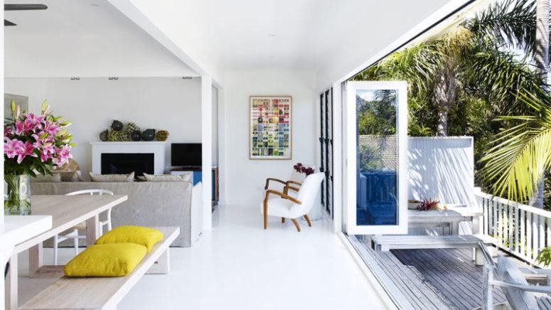 White Beachside Villa With Amazing Sea Views - DigsDi