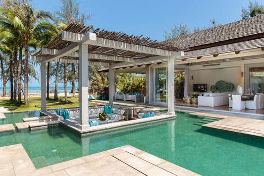 Thailand villas on the bea