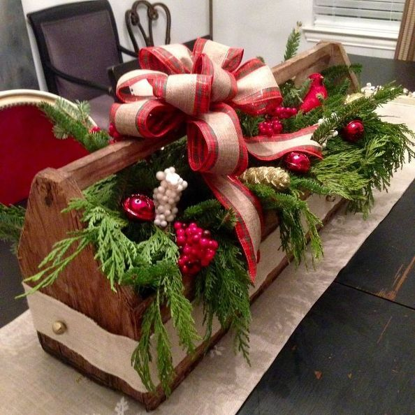 Thrifty Vintage Toolbox Christmas Centerpiece | Wood christmas .