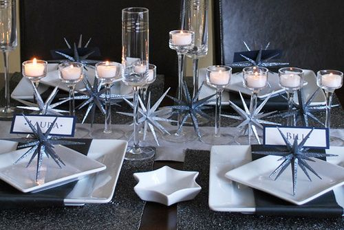 Beautiful Festive Hanukkah Table Setting by Nazmiyal Blog .