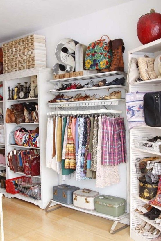 20 Beautiful Vintage Closets You'll Never Want to Leave | Clothing .