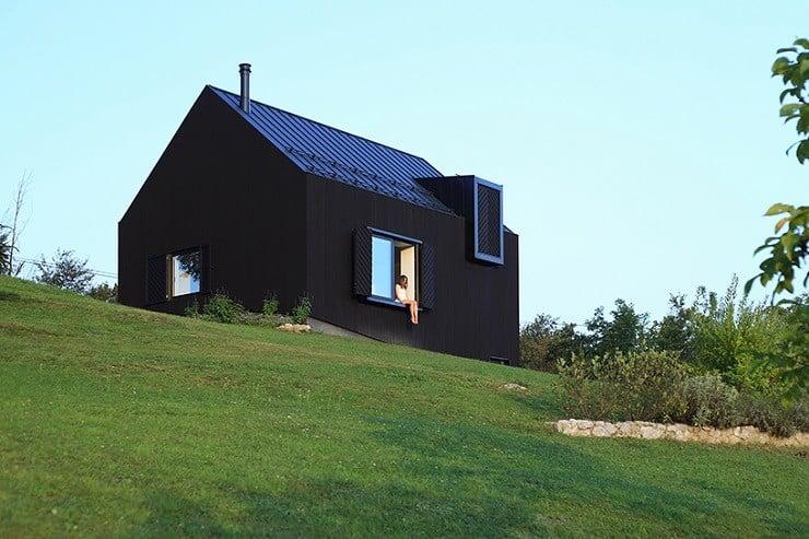 Croatian Black-Wooden Countryhouse   Men's Ge
