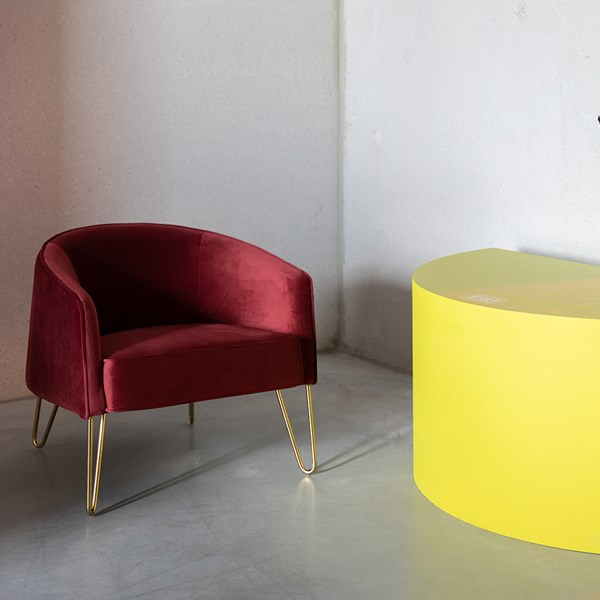 Bold Monkey Queenalicious Lounge Chair in 2020   Lounge chairs .