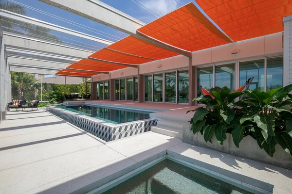 Photo 5 of 9 in This Sarasota Residence Draws on the Bold Style of .