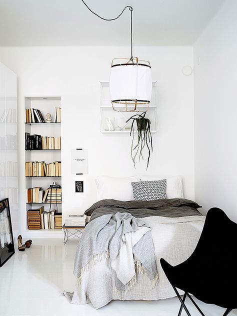 Breezy All-White Apartment Decorated With An Impeccable Taste .