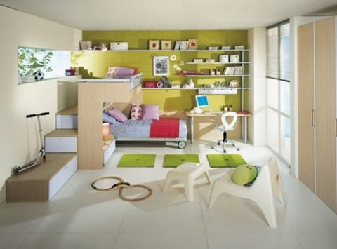 Inexpensive Ways to Decorate your Kid's Room | Bright kids room .