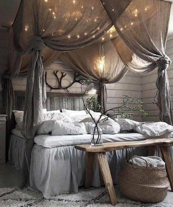 23 Farmhouse Bedroom Ideas in 2020   Rustic master bedroom, Home .