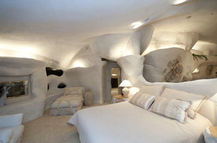 Flintstone house cave like interior design | Interior Design Idea