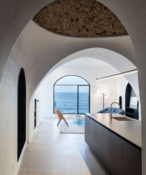 pitsou kedem architects conceives old jaffa house as a 'modern cav