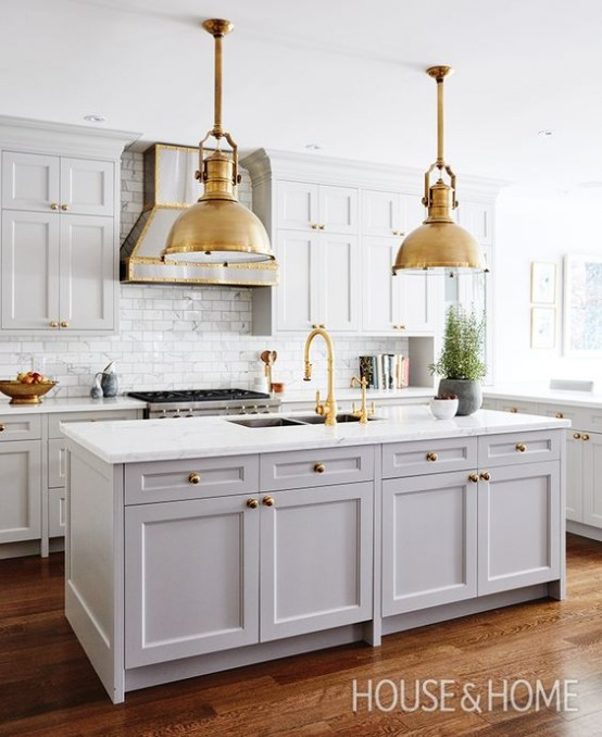 35 Chic And Bold Brass Home Décor Ideas - DigsDi
