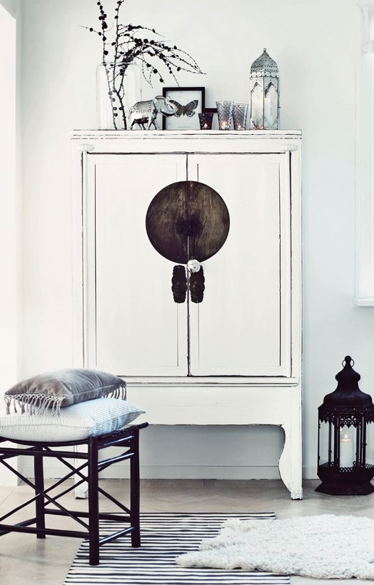 White Chinese Cabinet | Asian decor, Asian home decor, Console .