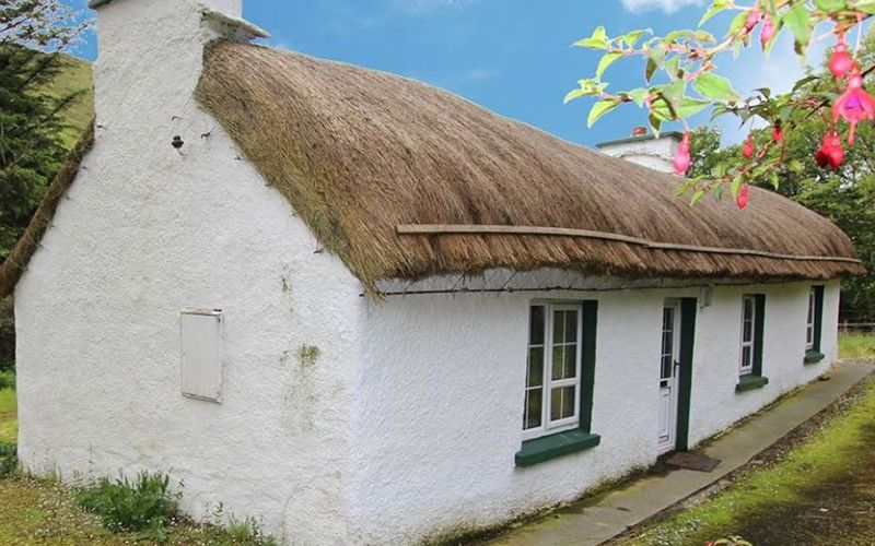 The most beautiful Irish cottages for sale right now .