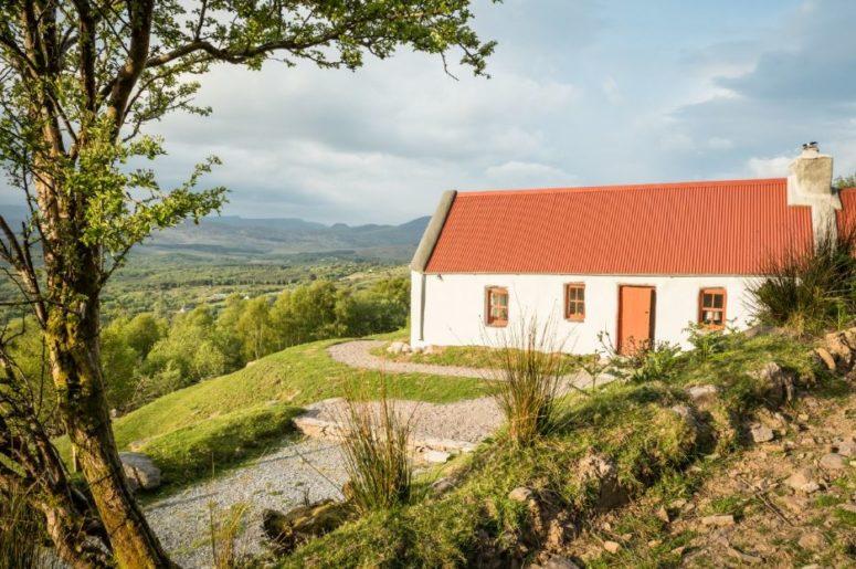 Classic Irish Cottage With A Pastoral Landscape Around - DigsDi