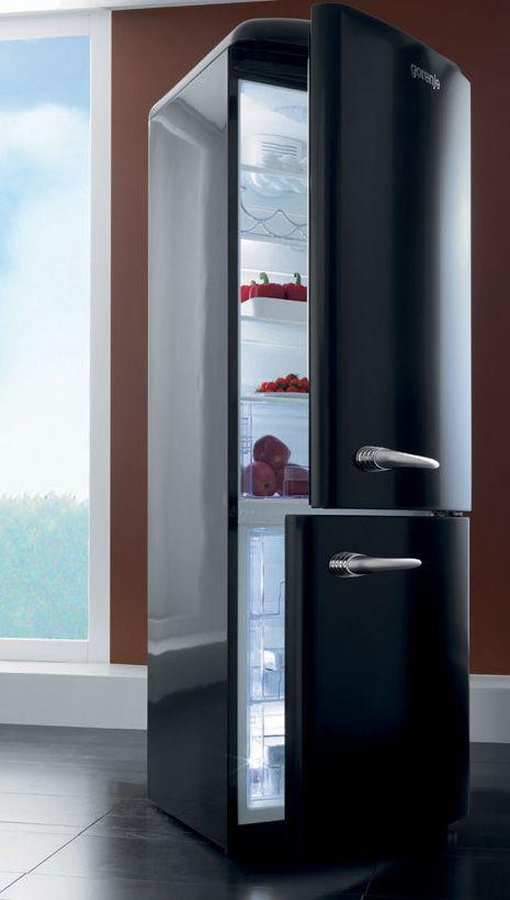 gorenje-classic-fridge-freezer-oldtimer.jpg | Retro refrigerator .