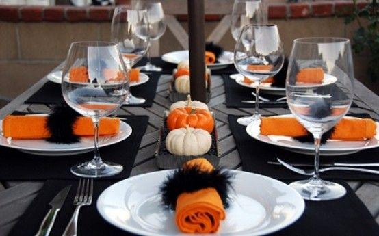 22 Classy Minimal Halloween Décor Ideas | Halloween party dinner .
