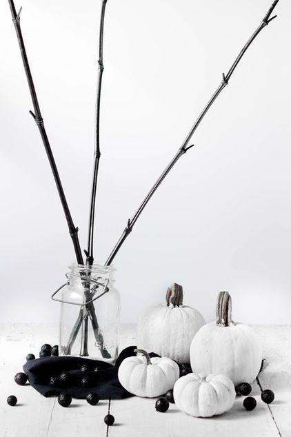 22 Classy Minimal Halloween Décor Ideas | Modern halloween decor .