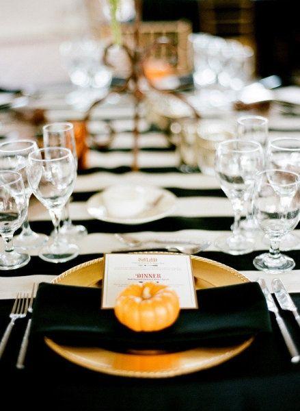 22 Classy Minimal Halloween Décor Ideas | Halloween table, Elegant .