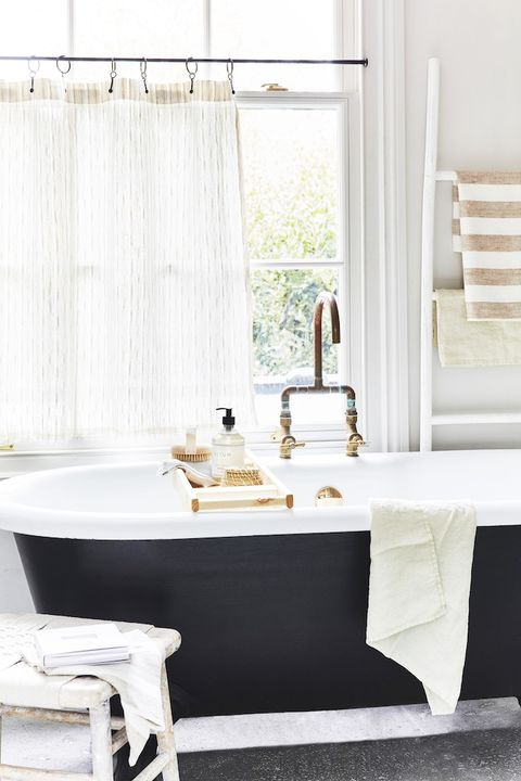 30 Best Clawfoot Tub Ideas for Your Bathroom - Decorating with .