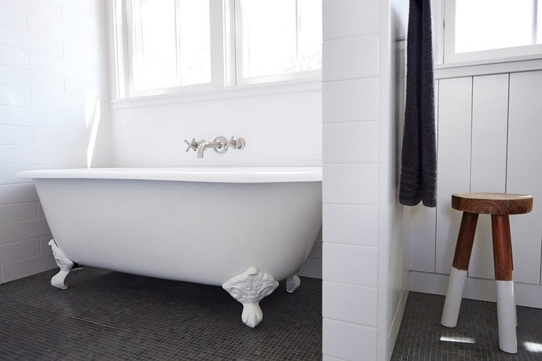 Why bathing is even better in a clawfoot tub   Well+Go