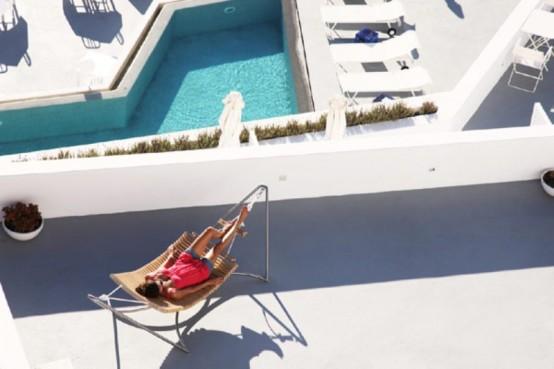Comfortable Lounge Chair And Hammock Hybrid - DigsDi