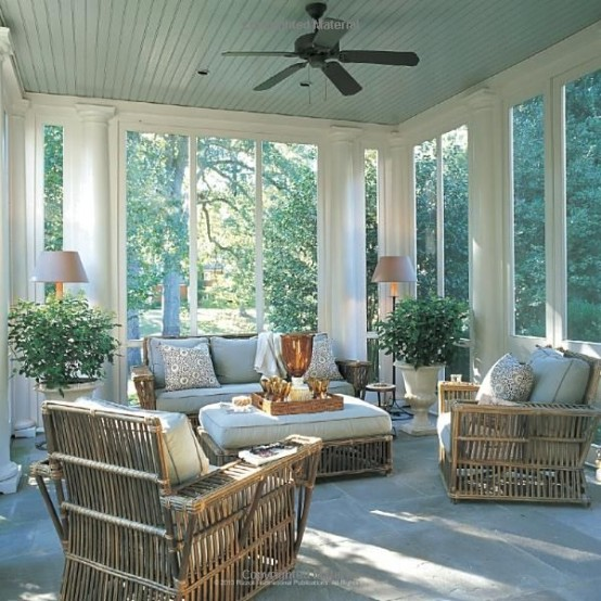 Comfy And Relaxing Screened Patio Design Ideas | Sunroom designs .
