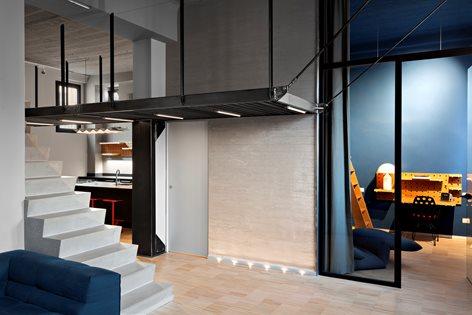 Blue and concrete apartment | DVDV Studio Architec