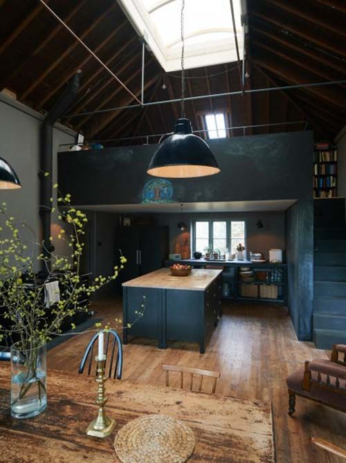 Historic cloth merchant's villa in Gloucestershire gets makeover .