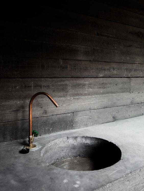 Concrete industrial sink for the Villa Kaplansky by B-architecten .